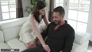 Sizzling tie the knot Jennifer White gives a fine blowjob and gets her dither nailed