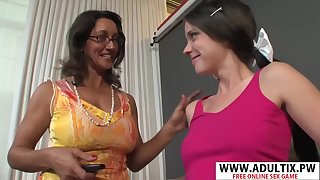 Very Sexy Step-mama Persia Monir, Bonnie Skye Gives Blowjob Hard High-strung Dads Friend