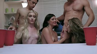 Horny and wino chicks are blowing some guys at a catch party